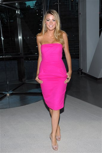 Actress Blake Lively attends the 2009 CFDA Fashion Awards in New York, Monday, June 15, 2009. (AP Photo/Evan Agostini)